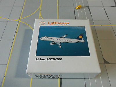 Herpa Wings 1:500    516501   Lufthansa A320 - 200  Version 3