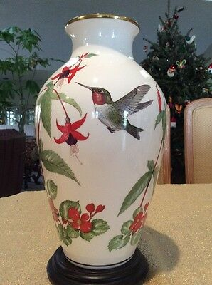Franklin Mint Garden Bird Vase Rubythroat Hummingbird Crimson Fuchsia Porcelain