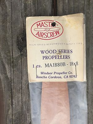 Master Airscrew Wood Propeller 18 x 8 MA1880B new in package