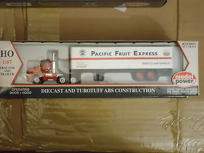 Model Power HO 15003 Die-cast truck and Trailer Pacific Fruit Express, HO Scale