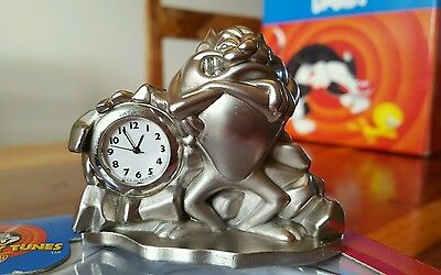 Looney Tunes Tazmanian Devil Metal Figurine Clock