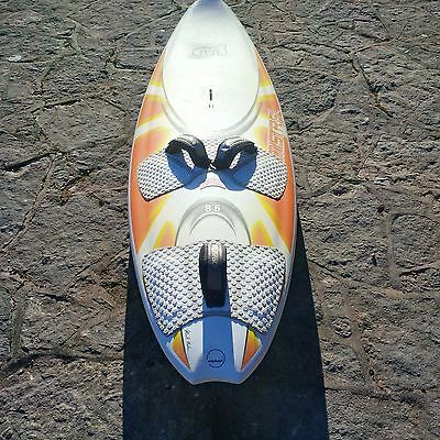 New Mistral Syncro 86L, 3 Neil Pryde sails and complete set of equipment