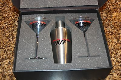 NEW Martini Gift Set in a Box James Bond 007 Die Another Day Shaker 2 glasses