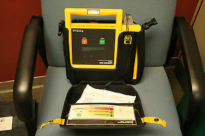 Physio Control Medtronic LIFEPAK 500 Defib with Battery and Pads