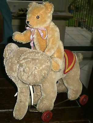 LOT OF TWO OLD ANIMALS ELEPHANT on WHEELS / TEDDY BEAR