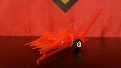 Allis Chalmers 3 row corn picker 1/64 plastic farm implement replica collectible