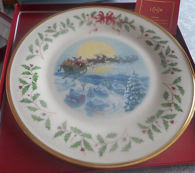 "2002 LENOX"" The ANNUAL HOLIDAY COLLECTOR"" Santa's Ride- Ivory China"