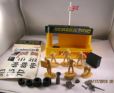 Vintage Scalextric Pitstop and Crew inc Tool Kit with Box and Transfers C703