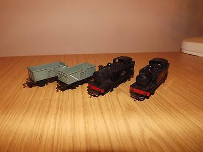 P377: Triang TT 3mm 47607 0-6-0 Loco's x 2 & 2 Open wagons