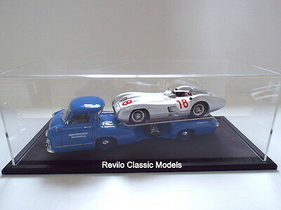 CMC 1:18 Mercedes Transporter with W196 Streamliner #18 Fangio