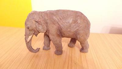 P101: Elastolin Composition Elephant