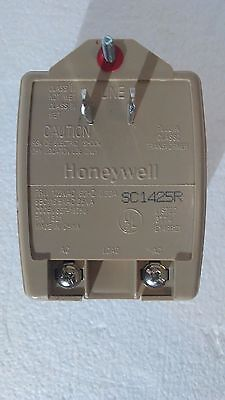 HONEYWELL ADEMCO 1321 16.5VAC 25VA Plug in Transformer