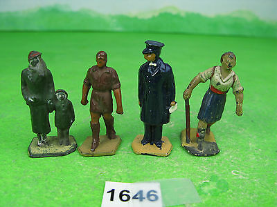 vintage dinky meccano lead model railway figures x4 mixed 1646