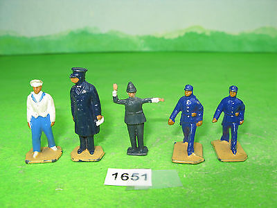 vintage dinky meccano lead model railway figuresx4 mixed & unknown policeman1651