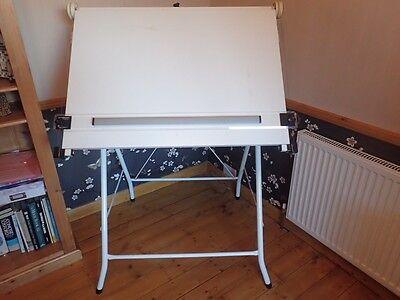 Art A1 drawing board on stand with chair