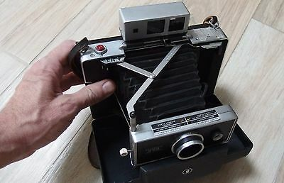 Vintage Polaroid 250 Land Camera with Case and Flash