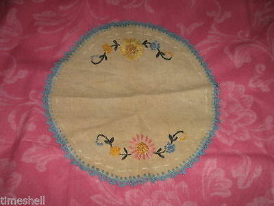 Lovely VINTAGE Hand Embroidered LINEN DOILY Flowers 10.5in ECRU Color
