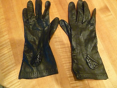 Vintage womans leather Black  gloves small/petite no lining
