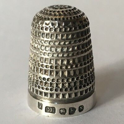 Vintage CHARLES HORNER English Silver Thimble with Dual Pattern