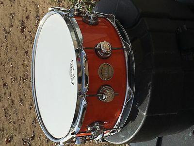 DW COLLECTORS SERIES MAPLE 10+6 SHELL  14 x 6 SNARE DRUM