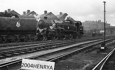 Photograph of B.R. 2-6-4T 80032 .