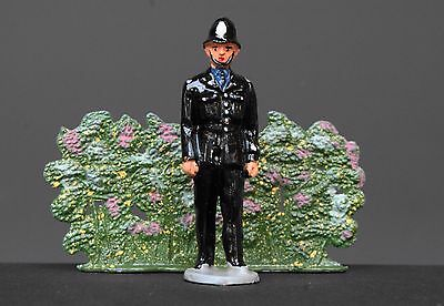 TIMPO TOYS VINTAGE HOLLOW-CAST LEAD * WALKING POLICEMAN * Virtually MINT...!