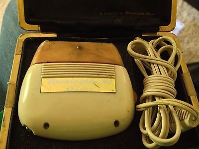 Vintage Remington 60 Deluxe Bakelite Electric Shaver With Case And It Works!