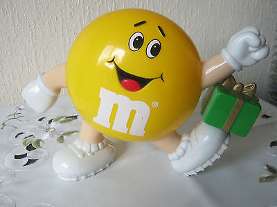 """M&m M&ms Happy Yellow 6"""" With Green Parcel"""