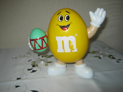 """M&m M&ms Happy Yellow 7""""  With Easteregg"""