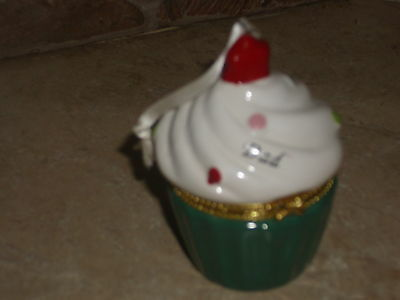 Roman-  Sweet Memories Cupcake Ornament-Dad-Mint Condition