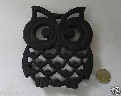 CLASSIC 1970's HANGING  BLACK CAST OWL TRIVET   READY TO GO WITH MACRAME