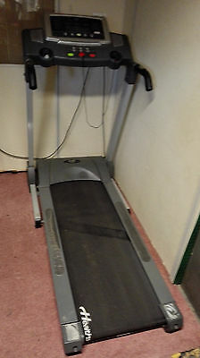 Treadmill Health Stream, Wide Belt, Electric incline, Cooling Fan, MP3
