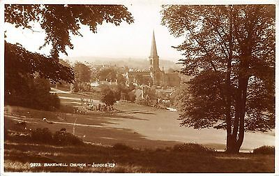 POSTCARD   DERBYSHIRE   BAKEWELL  Church