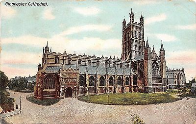 POSTCARD  GLOUCESTERSHIRE   GLOUCESTER   Cathedral