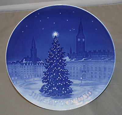 "Annual Bing & Grondahl Christmas Plate 1930  ""Yule Tree in Town Square"""