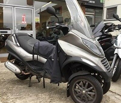 2009 Other Makes  mp3 piaggio 400 . top case , large windshield .