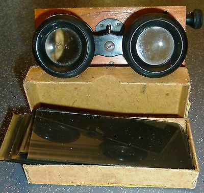 stereoscope UNIS avec 17 plaques stereo format 45 x 107 mm