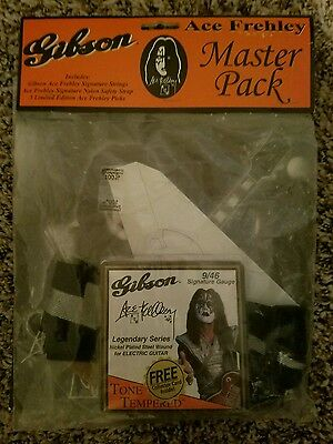 KISS ACE FREHLEY Gibson Les Paul Guitar Master Pack Strings 3Pick Stand-Up STRAP