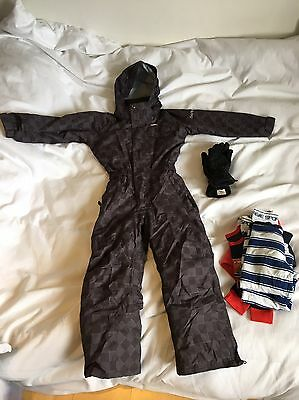 Kids dare 2b ski snow suit age 5-6 VGC. Plus 2 sets thermals & gloves