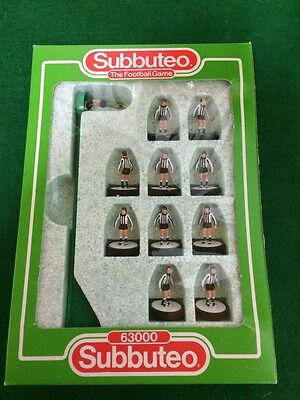 Vintage Subbuteo Team Lightweight 'Newcastle' VGC - COMPLETE BOXED