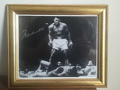 Muhammad Ali Signature Signed Memorabilia Phantom Punch Photograph