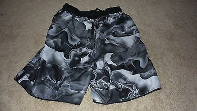 Nice Men's Black & White Nike Swim Trunks Size small BOARD SHIRTS LINED VELCRO