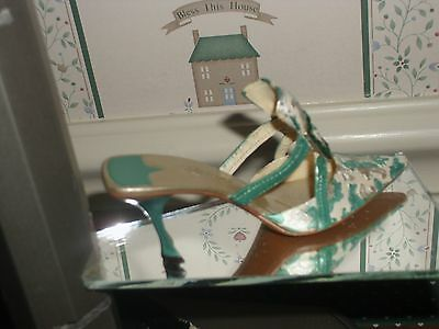 2002 Raine-Just The Right Shoe  Figurine-Evening Emerald-Excellent Condition