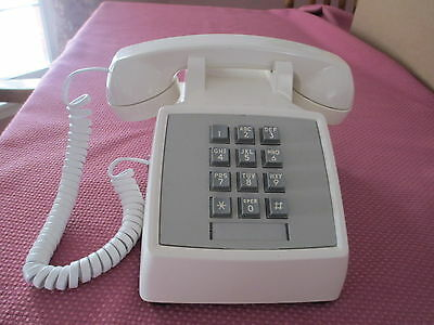 VTG 1970's WESTERN ELECTRIC BELL SYSTEMS WHITE PUSH BUTTON DESK PHONE, 2500DM