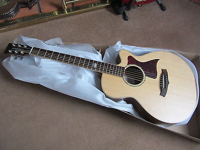 1 Folk Sized Quality Solid Top 6 String Electro Acoustic Guitar  Rrp About £500