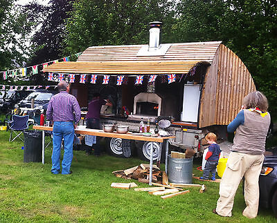 Mobile wood burning pizza oven on Ifor Williams trailer