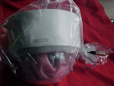 Pelco Color CCTV Camera 1S21 DWSV8S NEW IN PACKAGE No Instructions etc As Is