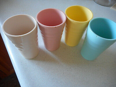 Vintage 4 Mallo Wear 10oz. Tumblers 4 Different colores. All chipped on the top