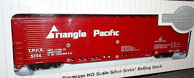 HO scale Bachmann  Evans All Door Box Car Triangle Pacific  -  18138