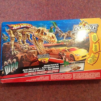 Hot Wheels Dinosaur Set Car Included, Excellent Condition